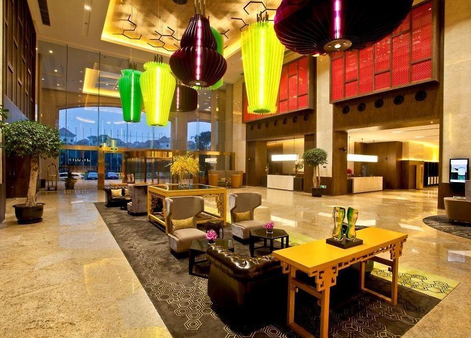 crowne plaza lake malaren shanghai hotel book online save on rh crowne plaza lake malaren theshanghaihotels com